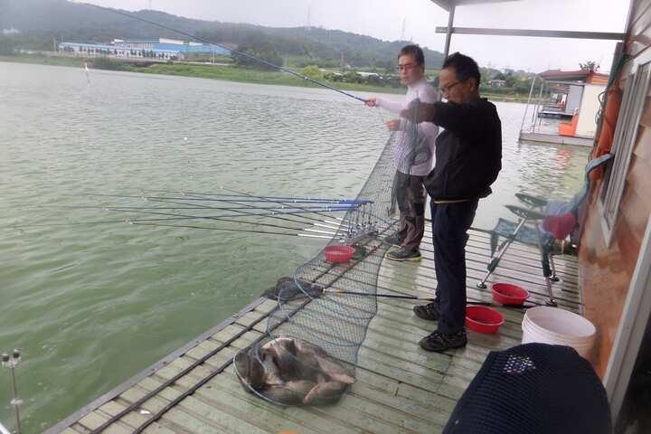 fish_pay_12590786.jpg